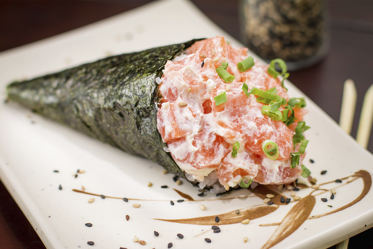 Temaki de salmão com cream cheese